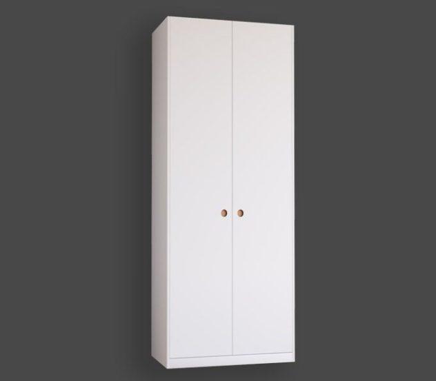 Släta garderobsdörrar med greppet GR-2 i koppar till Pax. Monterade med täcksidor och sockel på 100x236 cm stomme.